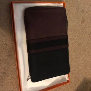 Auth and Used Hermes Authentic Zippy Organizer